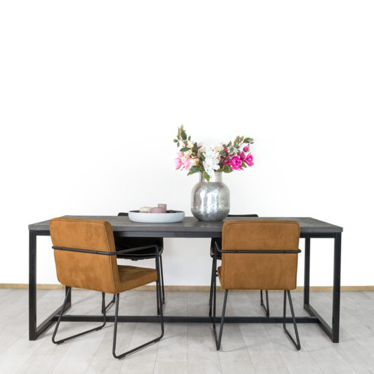 Betonlook industriele tafel Avega met O Poten