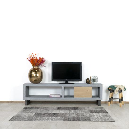 Betonlook TV meubel Harvey met stalen poten en schuifdeur