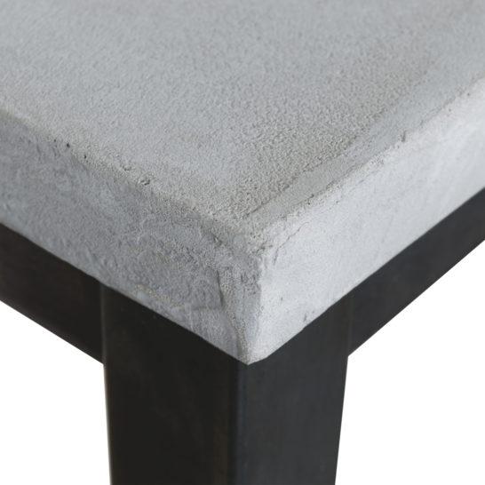 Betonlook bureau Cardin met subtiel industrieel frame