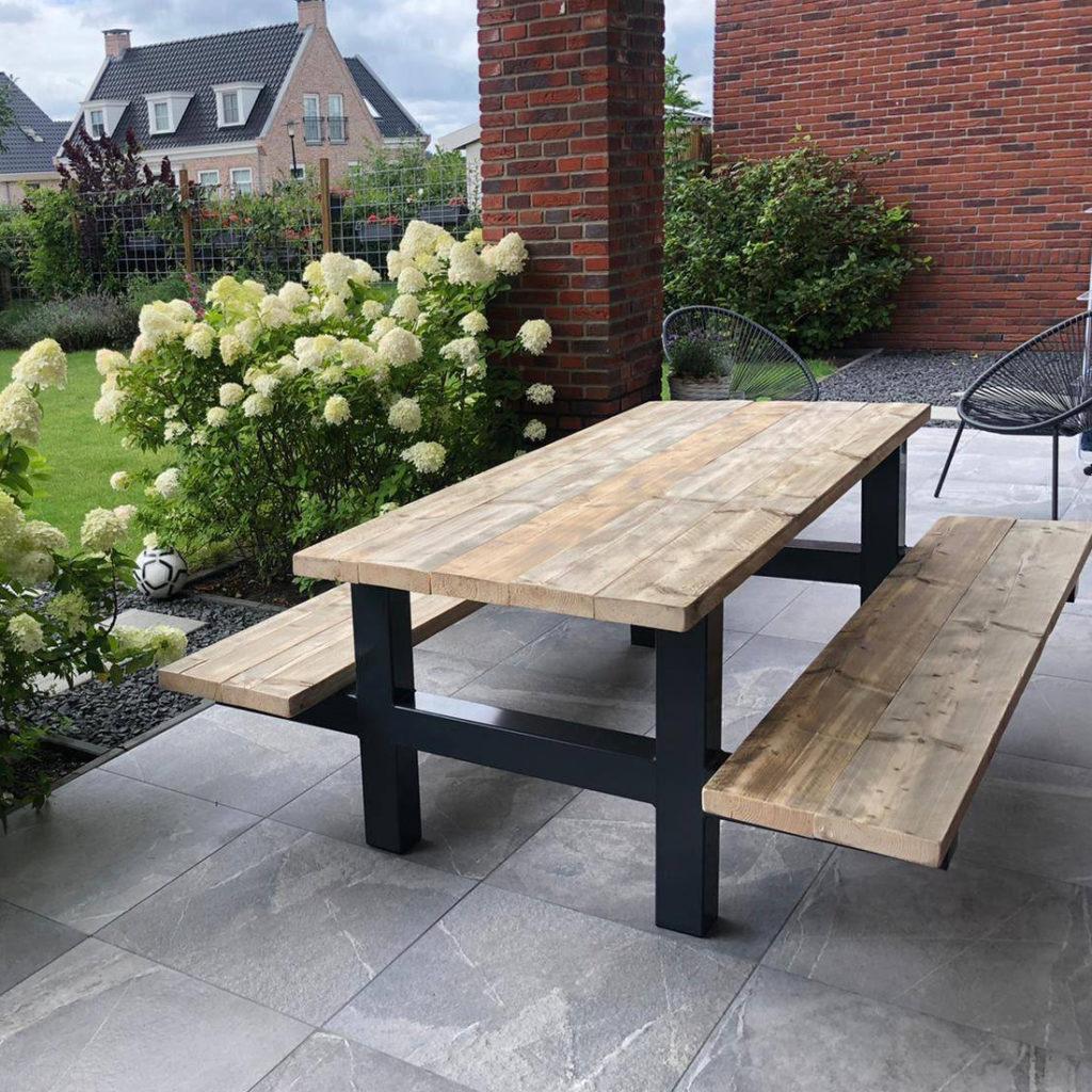 Picknicktafel Arthur van steigerhout met industrieel frame
