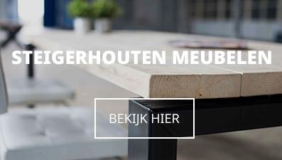 Industriele steigerhouten meubels